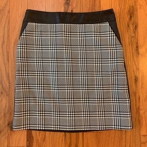 The Limited Houndstooth Faux Leather Skirt